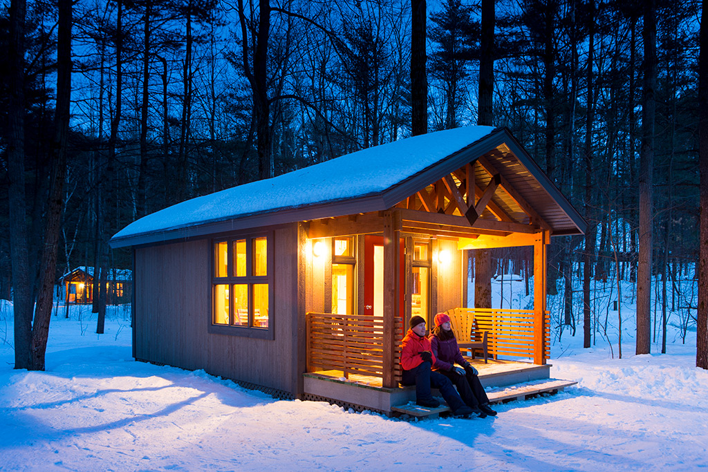 Compact Cabin Lodging S 233 Paq